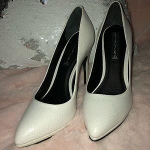 Steve Madden White Pumps , 7M new, beautiful